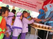 kampanye sadar gizi ahm bersama posyandu di karawang 2015 (2)