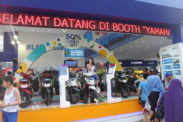 Deretan Mio M3 di booth Yamaha di Jakarta Fair 2015