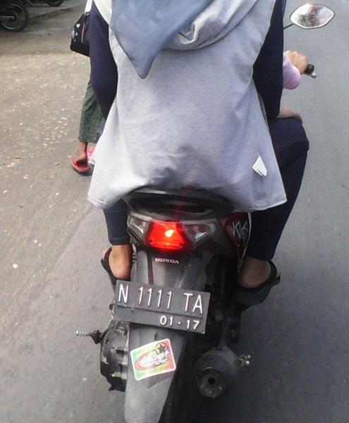plat nopol N 1111 TA di motor matik Jayapura