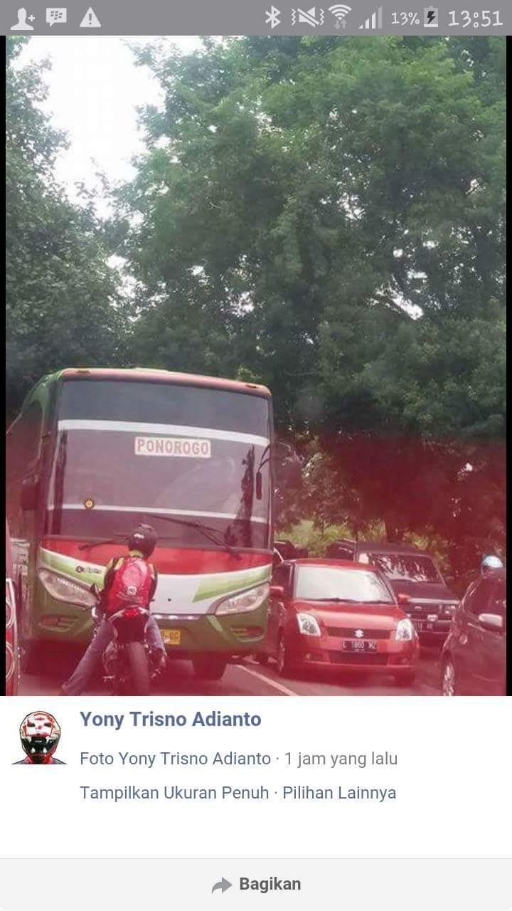 aksi rider ninja 250 hadang bus restu di kertosono tanggal 6 Pebruari 2016~01