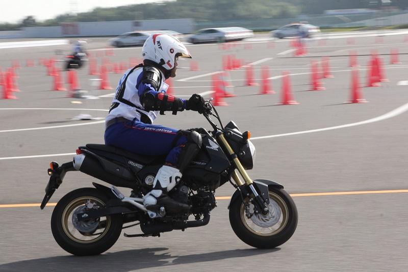 dimas-satria-instruktur-safety-riding-ahm-raih-gelar-juara-di-jepang-tahun-2016-2