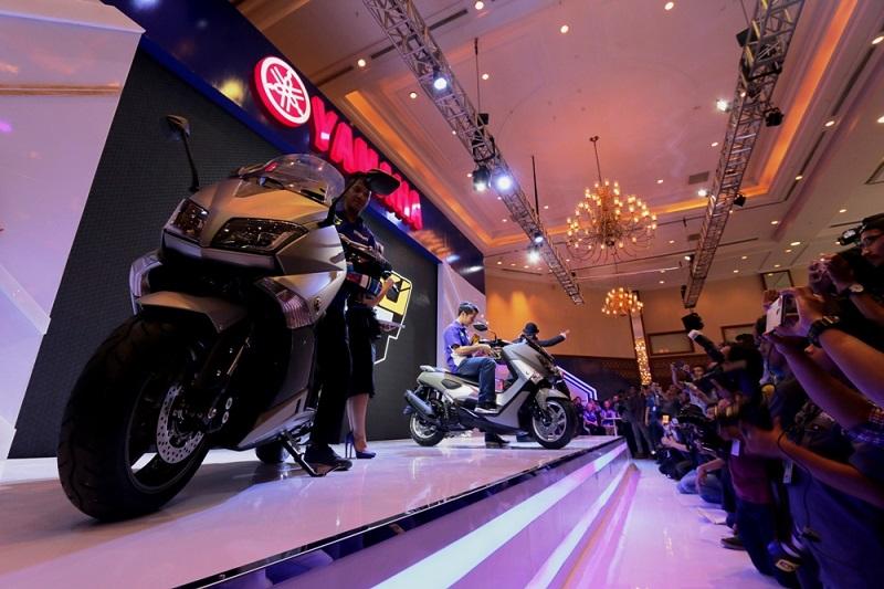 rider-yamaha-indonesia-memperlihatkan-produk-maxi-yamaha-di-indonesia-motor-show-imos-2016
