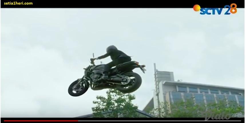 Heboh presiden Jokowi terbang naik moge Yamaha FZ-1 di