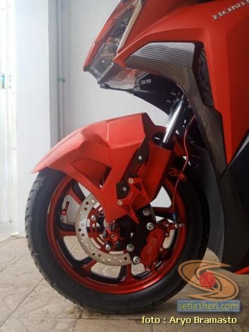 Modifikasi All New Honda Vario 150 merah merona ala sultan brosis 4
